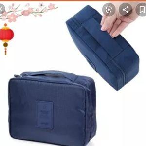Handbags - NEW 6pcs Travel organizer set